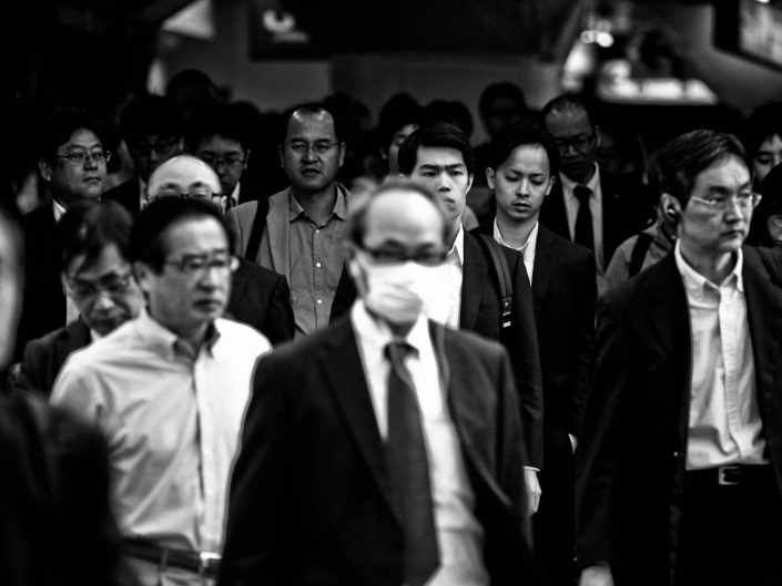 Very big group of salarymen at Shimbashi station for another day of hard labor. Street Photography by Victor Borst